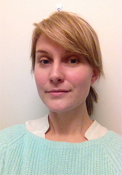 Alexandra Brönnhagen arbetar som nyhets- och direkttextare på TV4 och SVT.